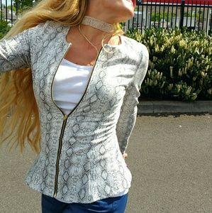 Jackets & Blazers - 💋JUST ARRIVED💋PYTHON PRINT JACKET