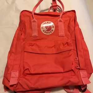 Fjallraven Handbags - Kanken Original Size Backpack in Peach Pink