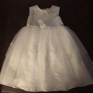 Us Angels Other - US Angels white satin/organza dress