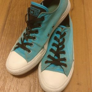 Converse Shoes - Bright Blue Low Top Converse