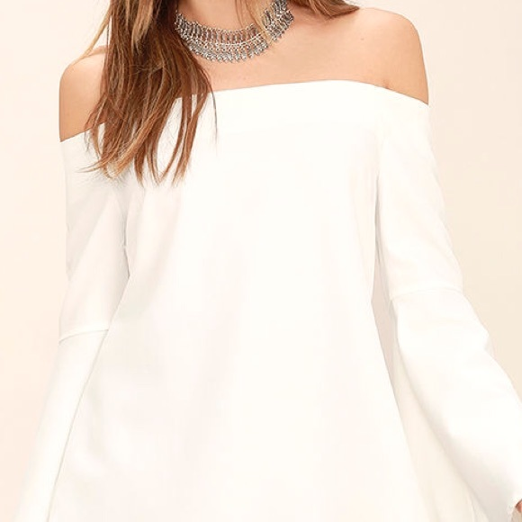 Essue Tops - White Off the Shoulder Bell Sleeve Top