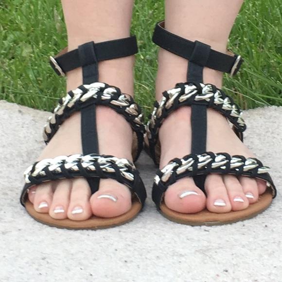 3d1249719d4 Black Gladiator Sandal w Chain Detail! NEW! Boutique. Chatties
