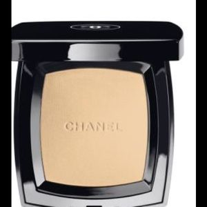 CHANEL Other - Chanel natural powder