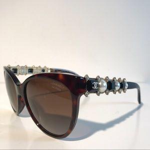 CHANEL Accessories - Chanel Polarized Pearl Sunglasses limited NIB