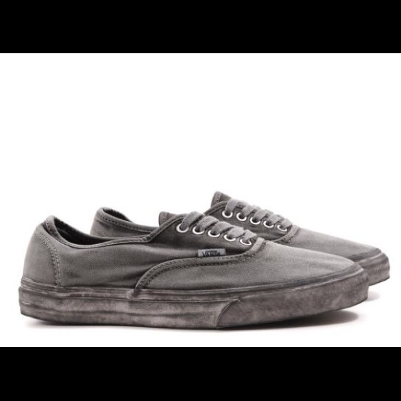 69d3c95283 Vans overwashed black gray authentic size 8.5 M