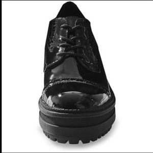 Steve Madden Shoes - Steve Madden Exceed Black leather Oxford RARE NWT