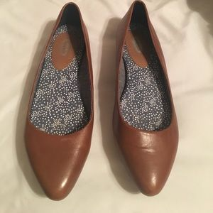 Dr. Scholls pointed flats size 7