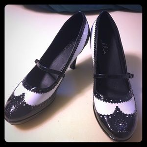 ellie Shoes - NEW Ellie Flapper Black & White Women's 12 Heels