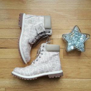 Timberland Shoes - NEW Limited Edition Timberland Floral Boot Size: 9