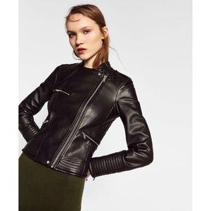 zara • black faux leather • biker jacket with zips