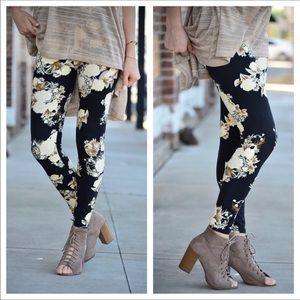 Infinity Raine Pants - Bahama Breeze Leggings ❗️💜Final Price💜❗️