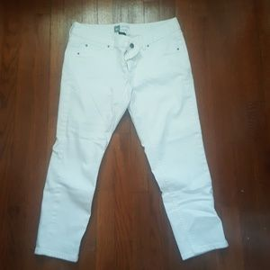 Massimo Alba Pants - White crop pants. Skinny leg. Flawless size 8
