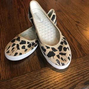 Bucket Feet Shoes - Bucket feet Leopard print flats