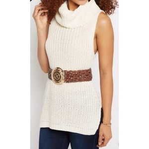 🎊HP🎊 White Cowl Neck Sweater