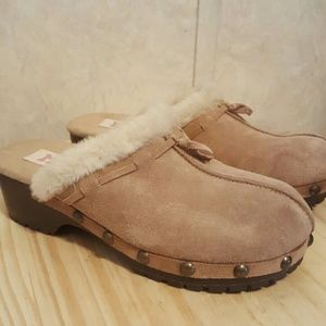 Mudd Shoes - Mudd tan suede clogs mules