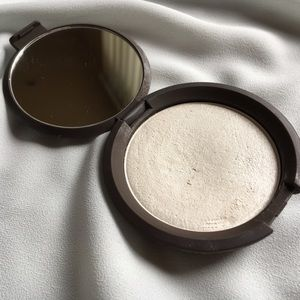 BECCA Other - BECCA Shimmering Skin Perfector