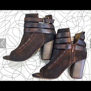 Diba Shoes - Diba.true size 6 euc open toe shooties!