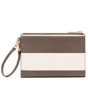 Dagne Dover Handbags - NWT Dagne Dover Essentials Clutch Wallet