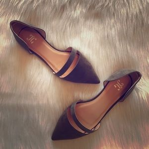 Shoes - NWOT Taupe Pointed Toe Flats