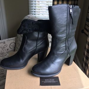UGG Shoes - NWT Ugg Lynda lambswool boots fold over style