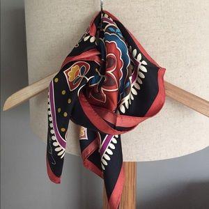 Vera Bradley Accessories - Vera Bradley silk scarf