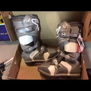 AlpineStars Shoes - NWT Alpinestars Stella Tech6 Moto Boots