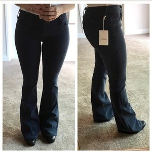 MOTHER Denim - NEW MOTHER The Cruiser Jeans Distressed Torn Knee