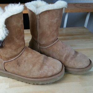 UGG Shoes - Brown Bailey one button UGGS