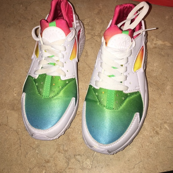 designer fashion d973b 5730a Nike huraches rainbow 💓