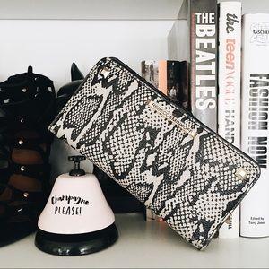 Rebecca Minkoff Handbags - ✨HP X2✨ Rebecca Minkoff Wallet