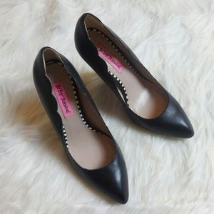NWOT Betsey Johnson Black Heels