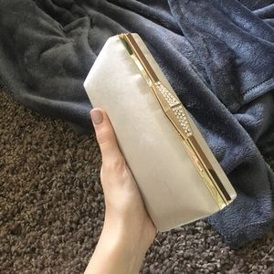 Handbags - Nude/pink fancy clutch