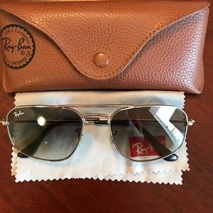 Ray-Ban Other - RAY-BAN SUNGLASSES-Authentic😎