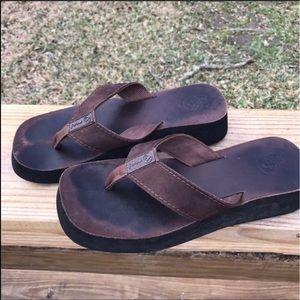 Reef Shoes - Reef surf shop beach shoes flip flops sz 9