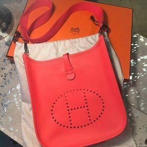 Hermes Handbags - Brand new never worn Hermes Evelyne TPM