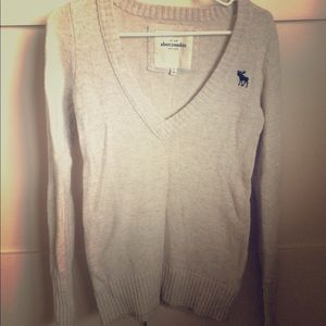 Abercrombie & Fitch Tops - Cream abercrombie sweater