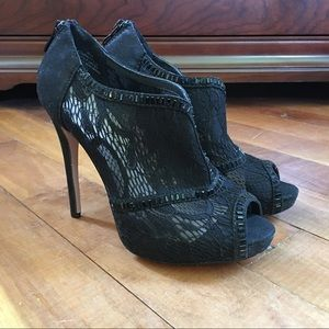 Buckle Shoes - NWT Buckle Black Lace Peep Toe Heels