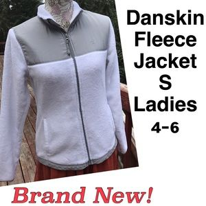 Danskin Now Jackets & Blazers - Incredibly Cozy New! Danskin White Fleece Jacket S