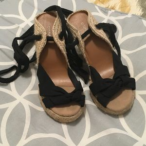 Old Navy Black Lace Up Wedges