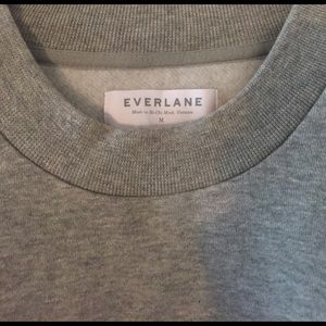 Everlane Sweaters - Everlane 100% human heather crew neck.