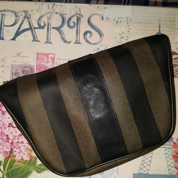 Fendi Handbags - Vintage fendi roma italy 1925 pouchette 625cf4221290f