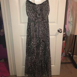 Ya Los Angeles Dresses & Skirts - Boutique Snakeskin Leopard Maxi Dress!