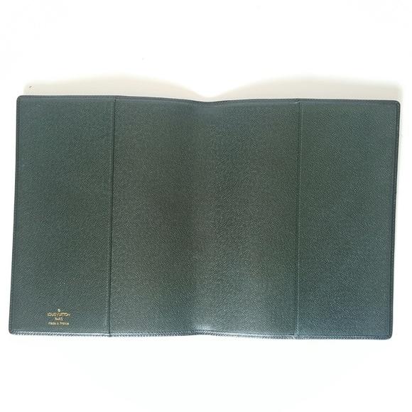 louis vuitton louis vuitton green taiga agenda bureau cover from loud 39 s closet on poshmark. Black Bedroom Furniture Sets. Home Design Ideas