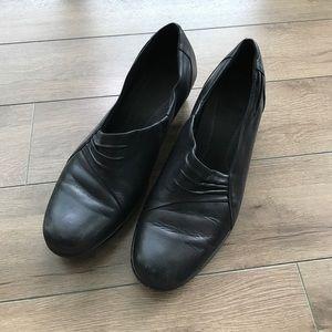 "Clarks Shoes - Clarks leather 2"" heels pumps"