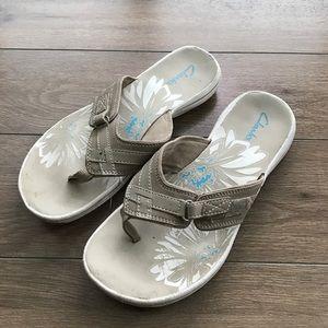 Clarks Shoes - Clarks sandals super comfy