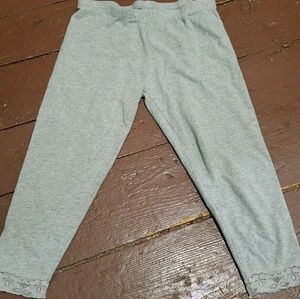 Children's Place Other - Girls grey capri leggings with lace