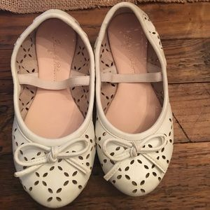 ruby & bloom Other - Ruby & Bloom white toddler flats from Nordstrom