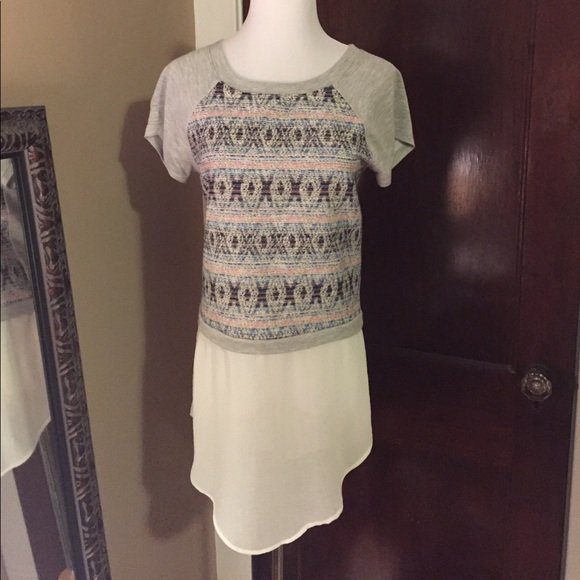 Anthropologie Tops - Anthropologie Embroidered T-shirt with Chiffon XS