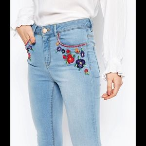 ASOS Denim - ASOS Ridley Skinny Ankle Jeans with Embroidery