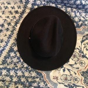 Accessories - flat top hat